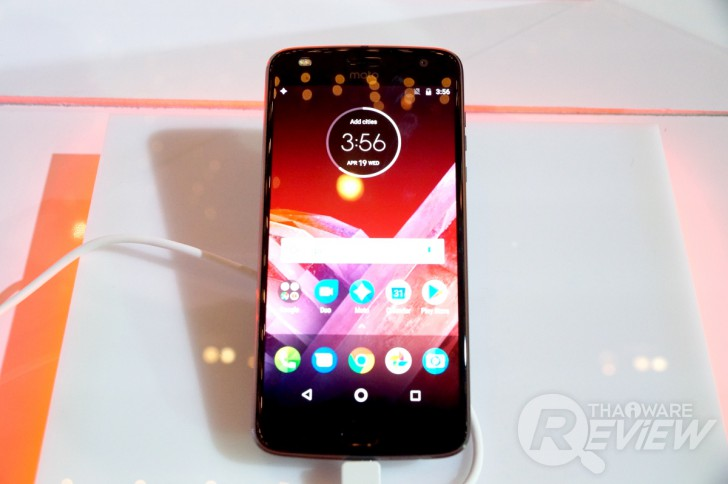 Moto Z2 Play พรีเมี่ยมสมาร์ทโฟน หรูหรา ดีงาม ในราคาจับต้องได้