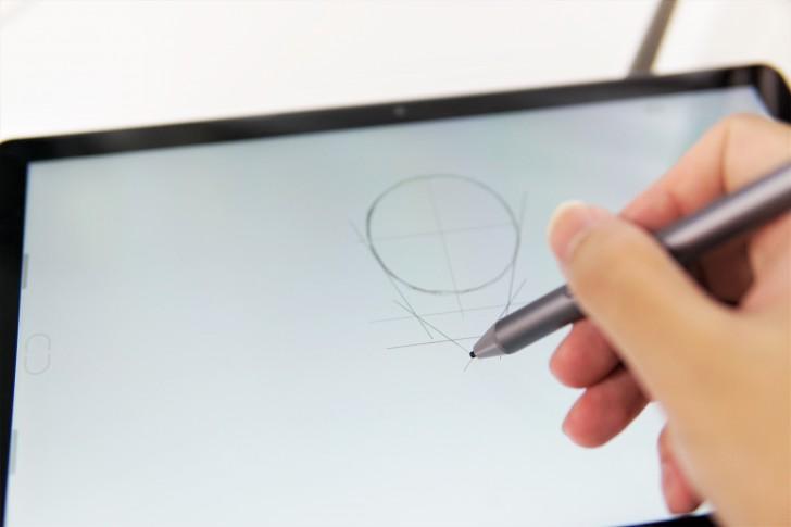 Huawei MediaPad M5 Pro แท็บเล็ตไฮบริด พิมพ์งานได้ วาดรูปดี ดูหนังเพลิน ฟังเพลงฟิน